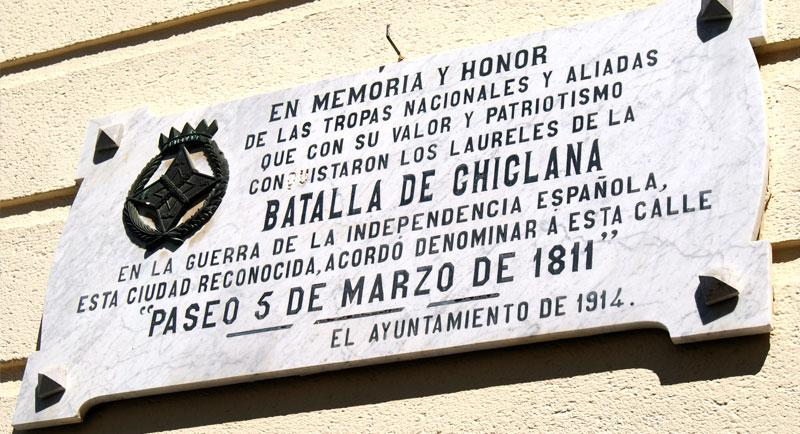 Cien años después de la Batalla de Chiclana se colocó una placa con el nombre de la calle.