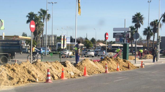 En la avenida de los Descubrimientos ya se están llevando a cabo varios trabajos.