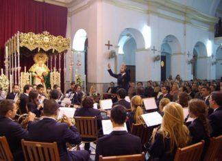 La Banda Enrique Montero durante el estreno.