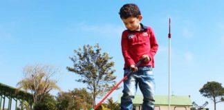 El campo está pensando para la práctica del Golf de todos los públicos, como el pequeño Íker. Foto: Muriel