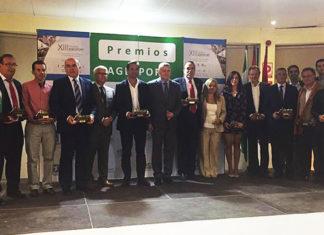 Foto de familia con los galardonados de este año por parte de AGESPORT.
