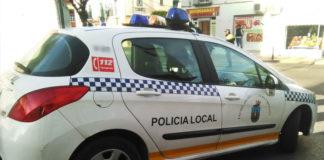 La Policía Local realizando labores de vigilancia por la diversas calles del centro. Foto: Muriel