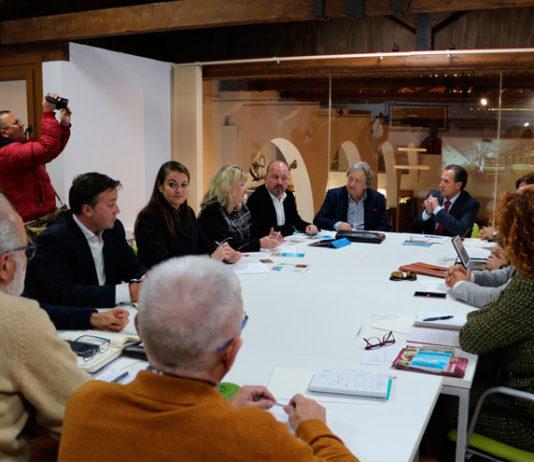 La reunión presidida por José María Román con representantes de Gibraltar