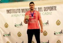 El nadador chiclanero Roberto García